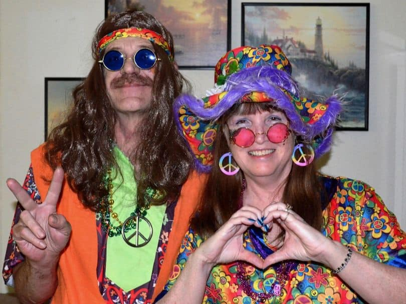 outdoor-party-themes-and-ideas-1-70s-glam-party