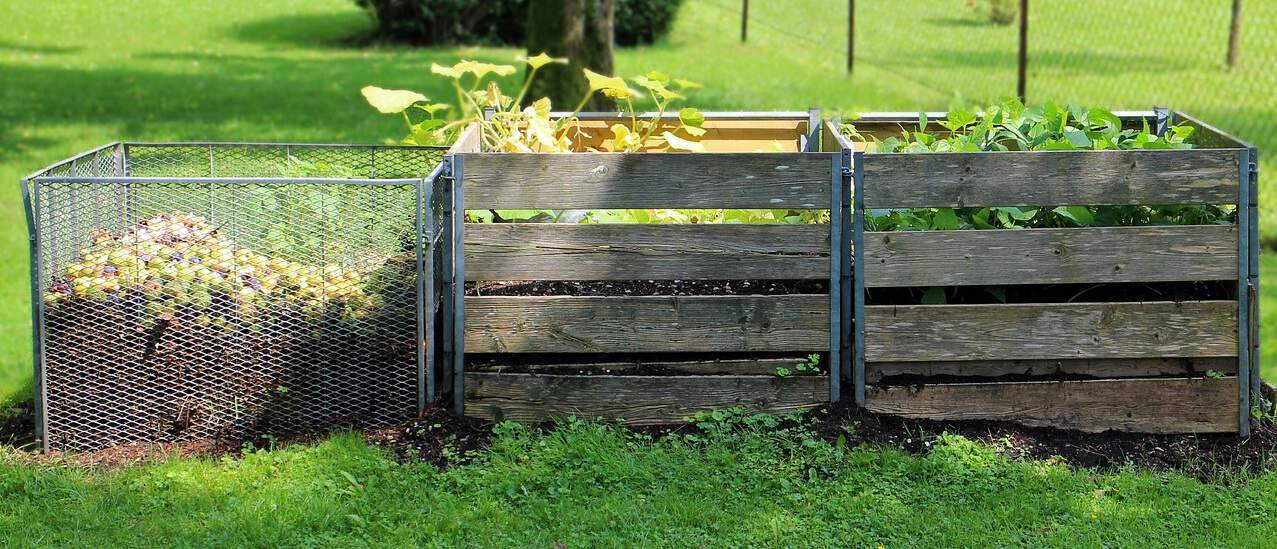 reduce-plastic-use-garden-2-create-your-own-compost-heap