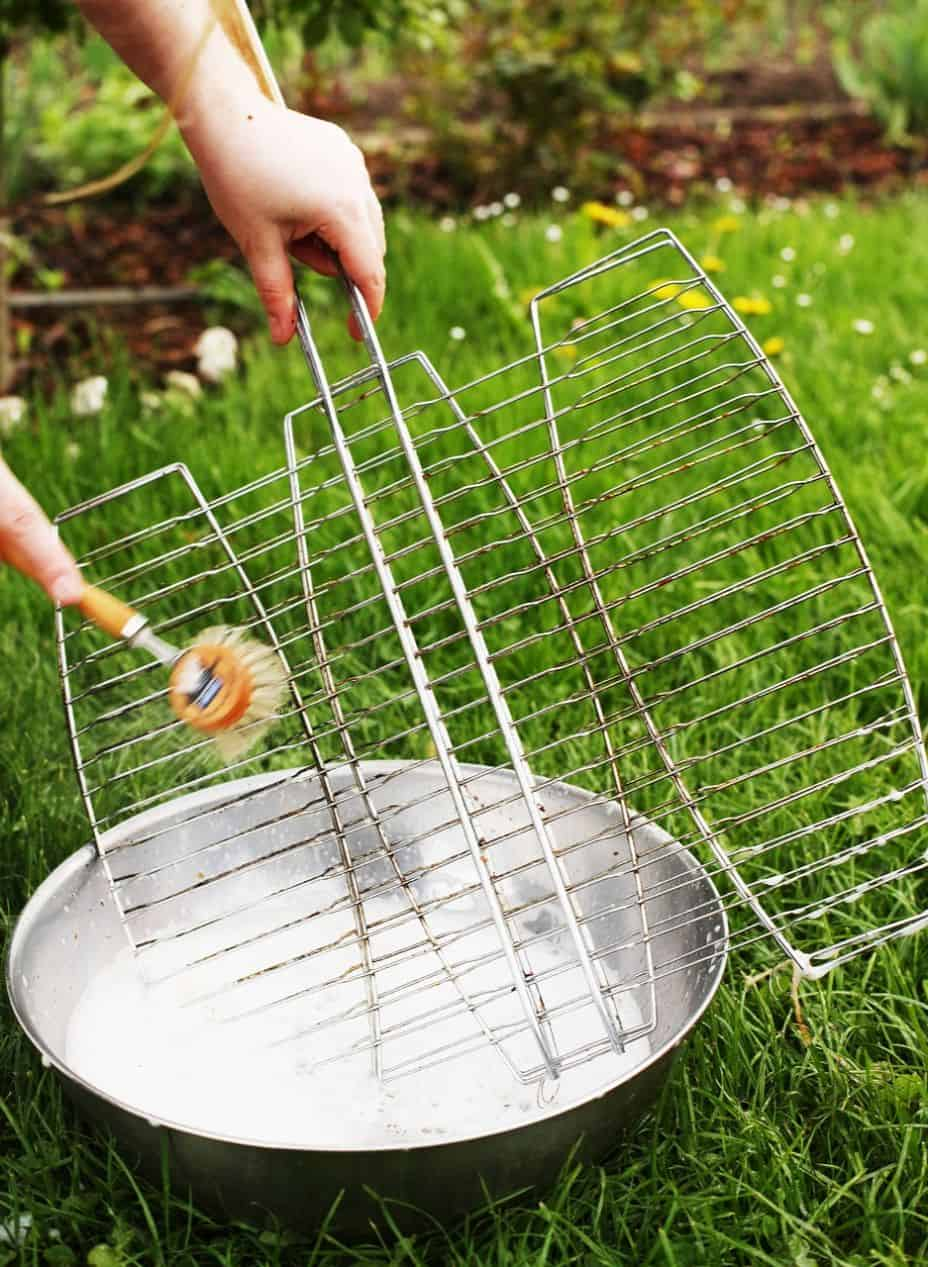 grill-checklist-bbq-party-13-grill-brush