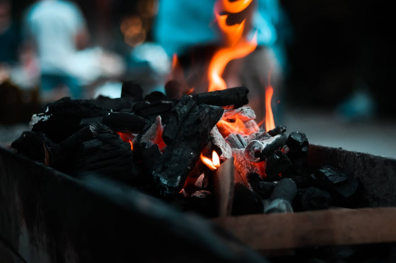 grill-checklist-bbq-party-2-fuel-or-charcoal
