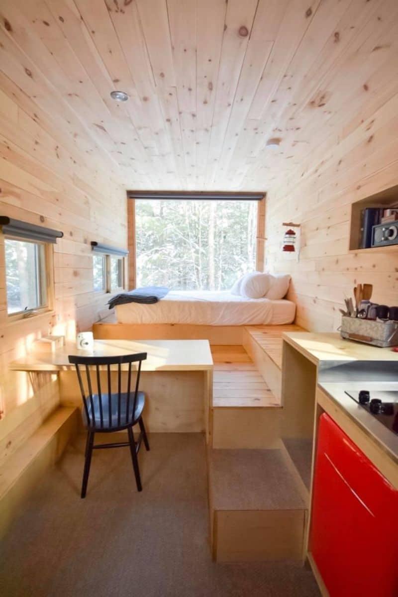 log-cabin-decor-ideas-4-utilize-same-wood-or-tones-eg-pale-woods-unsplash