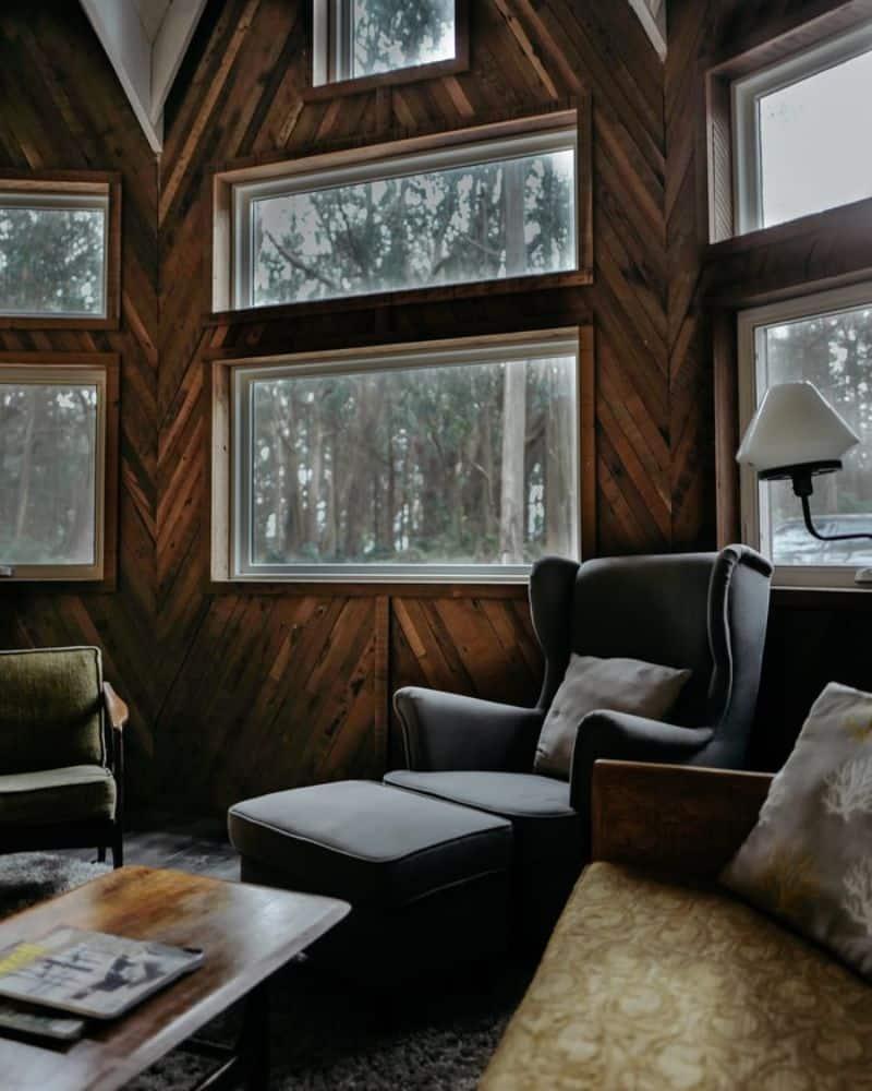 log-cabin-decor-ideas-5-match-herringbone-wood-wall-unsplash