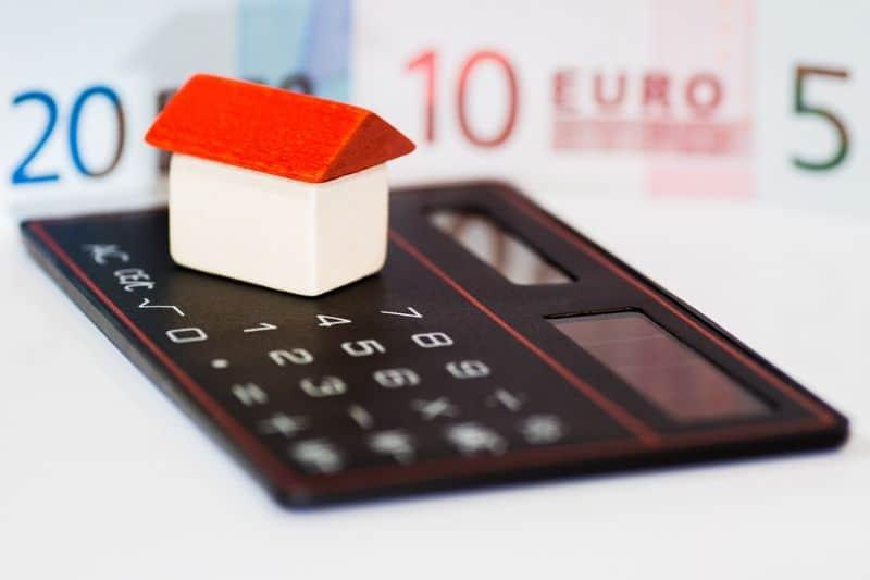 ways-to-turn-your-log-cabin-into-a-home-gym-1-budget-budget-budget-pixabay