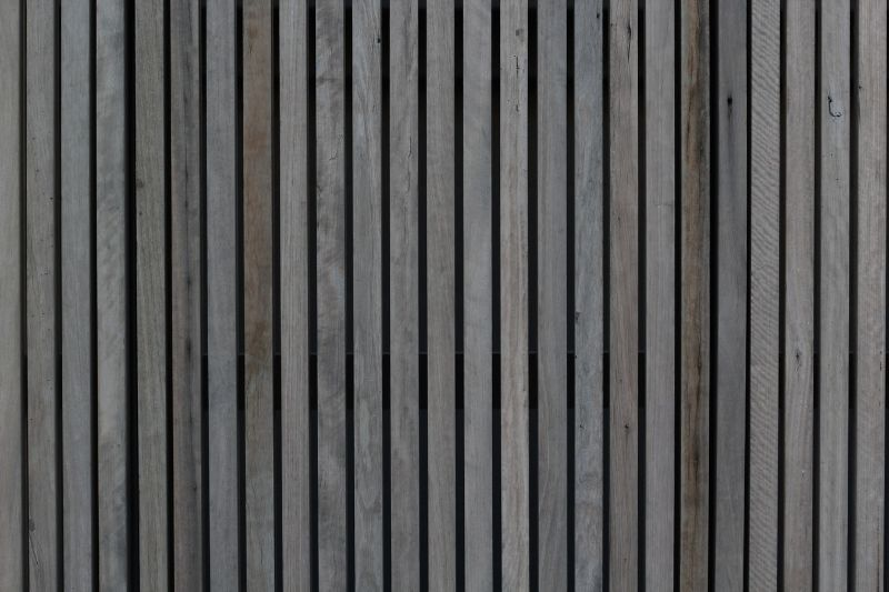 ways-to-reduce-noise-pollution-in-the-garden-4-building-a-fence-unsplash
