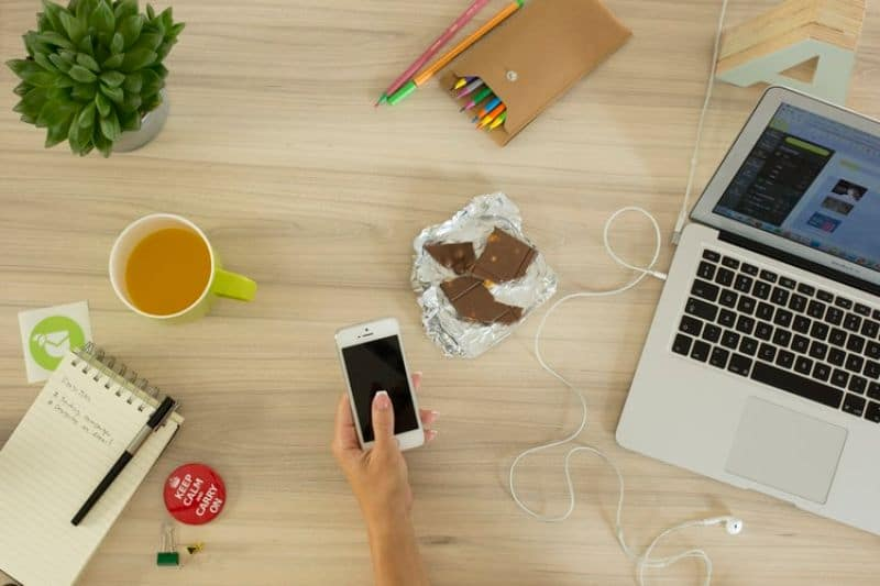 the-ultimate-guide-to-working-from-home-1-find-ways-to-combat-procrastination-unsplash