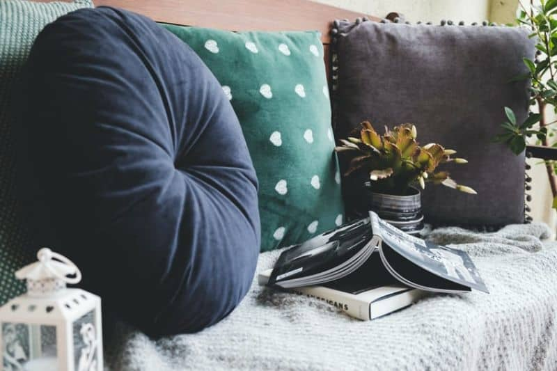 outdoor accessories - cushions and blankets