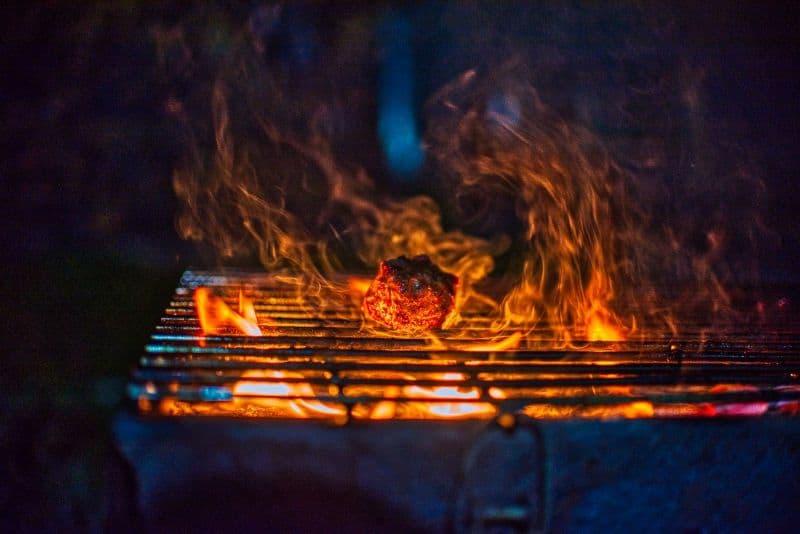 advantages-of-charcoal-bbq-3-cost